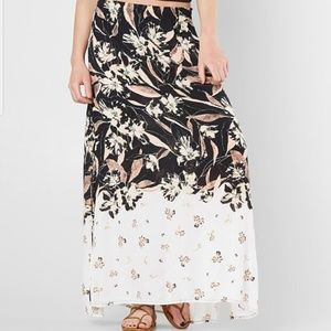 New, without tags Billabong Maxi Skirt